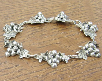 Vintage Sterling Grapes Bracelet cluster hand made silver chain jewelry 925 Iguala Hecho en Mexico signed EML