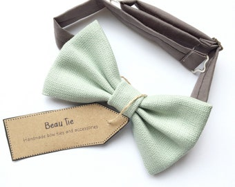 wedding bow tie, mens bow tie, mint green bow tie, sage green linen bow tie, mens green bow tie