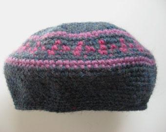 wool hat beret fuchsia and blue