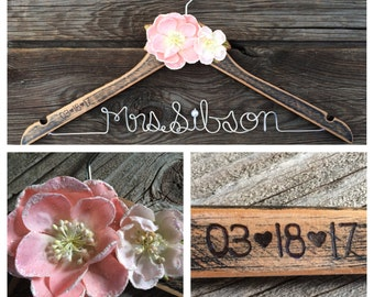 Rustic Personalized Wire Wedding Hanger || Distressed Wood || Flowers (2) in your choice of colour || Wood burned date on arm