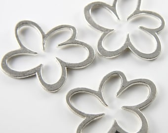 4pcs Oxidized Silver Tone Base Metal Links-Flower 45x37mm (Large) (9061Y-H-164A)