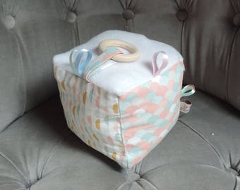 Baby sensory play cube / child - teether