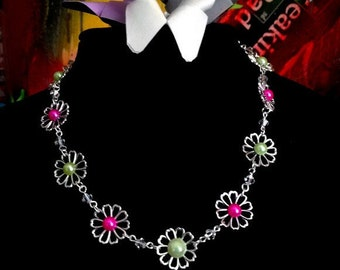 Retro necklace - flowers - pink - green - cabochon-Daisy - floral - Swarowski - romantic - old vintage-baroque - kitsch