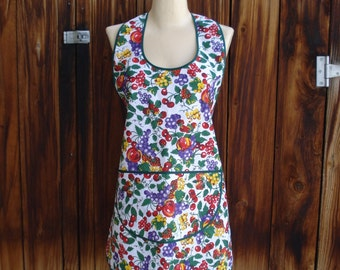 Vintage Style Apron in Fresh Fruits Cotton Print - One Size Fits Most -