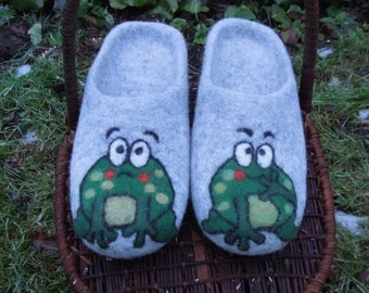 Slippers Frogs with soles Felted slippers Organic wool house shoes Gray house boots Wool clogs Eco friendly gift for her Gift for him