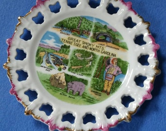 Great Smoky Mountains Vintage Souvenir Plate, ceramic plate, Tennessee and North Carolina vintage plate, pink and gold edge