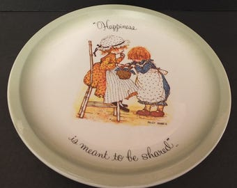 """1972 Holly Hobbie """"Happiness Is Meant To Be Shared""""  Collectors Plate"""