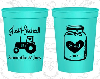 Just Hitched, Customized Plastic Cups, Tractor, Monogrammed Cups, Mason Jar Wedding Cups, Barn Wedding, stadium cups (83)