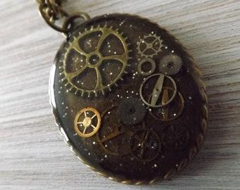Steampunk pendant, resin pendant, quirky necklace, cogs and gears pendant, cyberpunk pendant, OOAK steampunk jewellery, unique pendant