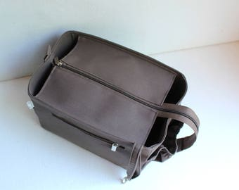 Purse organizer for Medium Celine cabas phanthom  with Zipper closure- Bag organizer insert in Taupe Grey