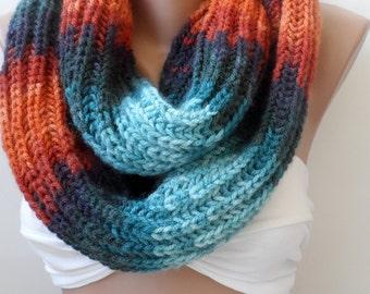 Chunky knitting infinity loop scarf,handmade scarf, Knit infinity scarf Wool scarf/ Colourfull scarf- Circle scarf, Christmas scarf