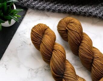 Hand dyed yarn, hand dyed dk yarn, handdyed yarn, handgefärbte Wolle, cashmere yarn, dk merino yarn, Featherfin PREORDER  - Brass