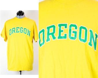 Vintage Retro Yellow Oregon Ducks T-shirt Medium
