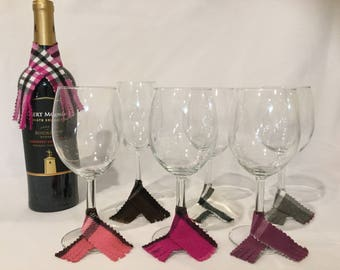 Scarf Wine Charms (set of 6) & Bottle Scarf (Hot Pink)
