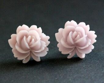 Pale Purple Lotus Flower Earrings. Soft Purple Lotus Earrings. Bronze Post Earrings. Purple Earrings. Stud Earrings. Handmade Jewelry.