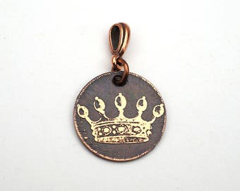 Small crown pendant, round etched copper jewelry, 22mm