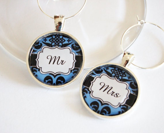 Mr Mrs Wine Charms, Wine Charms, Wedding Wine Charms, blue, damask, Wedding Shower, Bridal Shower, table setting, silver plate (2377)