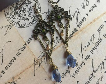 Vintage style dangle earrings