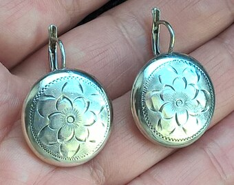 Vintage Sterling Silver Hand Engraved Flowers Round Hollow Discs Earrings