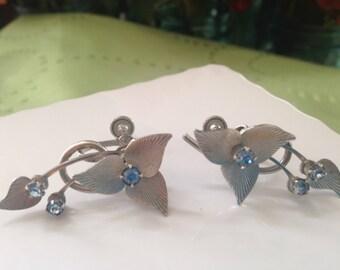 Vintage screw back earrings blue rhinestones silver toned