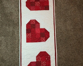"""Valentines Day Wall Hanging or Table Runner, 15"""" x 42"""""""