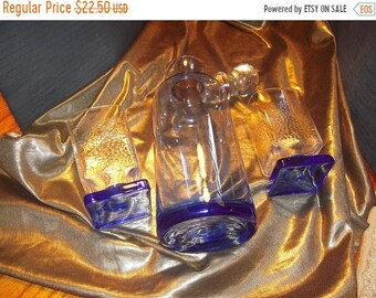 BLOW OUT SALE 25% 10 Days Art Deco style, Decanter and two Whiskey glasses.