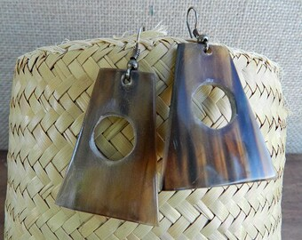 Ethnic earrings Horn shape Brown trapezoid with round