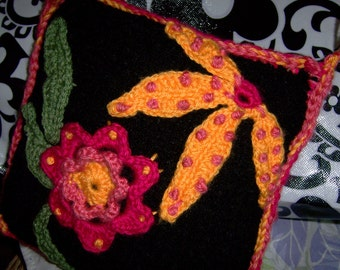 FlowerRiot, crocheted cute little pillow for spicing up your bed or sofa