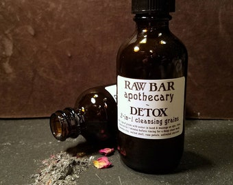 Detox 2-in-1 Organic Cleansing Grains and Mask w/ Bentonite, French Green Clay, Activated Charcoal, Rose Petals & Walnut Shell + Free brush!