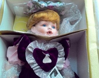 "1997 FayZah Spanos ""HERSHEY'S KISSES"" Exclusive Porcelain Doll 15"""