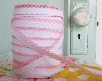 Light Pink Crochet Edge and Polka Dot on White Double Fold Bias Tape (No. 202)