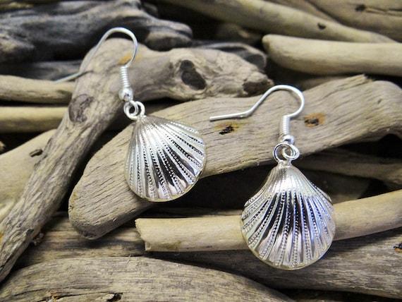 Little Silver Toned Clamshell Earrings Ahoy Nautical Shell Seashell Clam Scallop Fan Sailor Pinup Rockabilly Mermaid Dangle Hooks Beach
