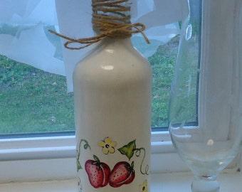 Painted wine bottle, STRAWBERRIES wine bottle, strawberry decor, wine bottle centerpiece, strawberry centerpiece, painted strawberries