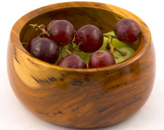 Small bowl in Plum