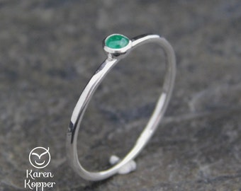 May birtstone ring - Emerald Skinny sterling silver ring, hammered, 1.2 mm ring. Skinny ring, thin ring, stacking ring.
