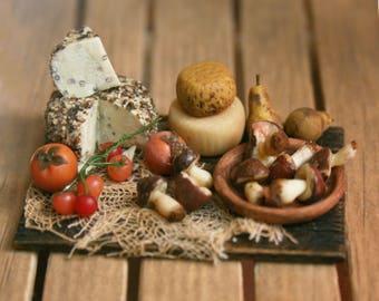 "Dollhouse miniatures""Board with mixed food""- Artisan Handmade Miniature in 12th scale. From CosediunaltroMondo"