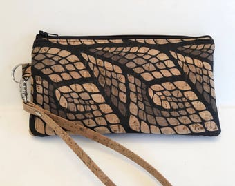 Ready to ship - Cork Wristlet - Sustainable - Cork clutch - Cork Purse - Eco Friendly - Vegan - Gifts for Her