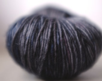 CENTRE PLACE SINGLE, Kaamos, 6 available, batch 140418, ~100g, single ply superwash merino, ~360m/100g, handdyed