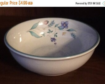 """ON SALE Pfaltzgraff APRIL Soup Cereal Bowl Dinnerware Excellent Condition 5 7/8"""" in diameter"""