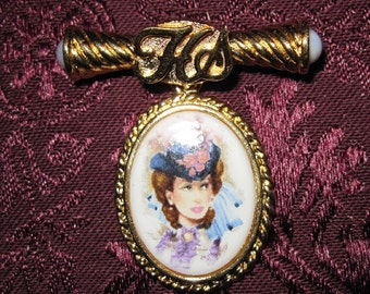 Vintage Gold Avon Brooch With Woman