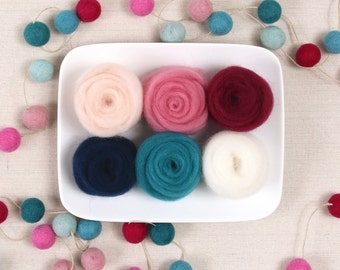 Wool Roving  // Sweetheart Ombre // Corriedale Roving, Needle Felting, Wet Felting, Valentine Crafts, Wool Sliver, Weaving, Sweetheart Craft