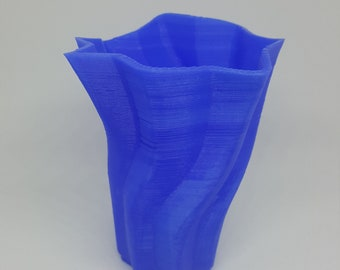 Twisted Sculpted Vase | Modern design | Home Decor | Sculpted Vase