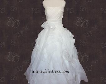 R3005 Strapless Organza Wedding Gown with Sweetheart Neckline