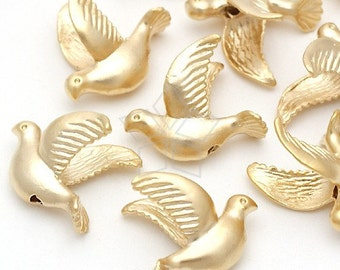 AC-135-MG / 4 Pcs - Flying Dove Beads, Matte Gold Plated over Pewter / 14mm x 12mm