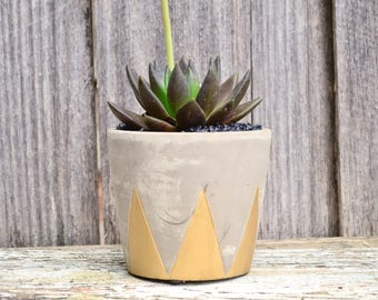 Metallic Gold Round Geometric Chevron Concrete Planter