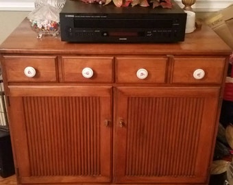 Crawford of Jamestown Furniture Mid Century Buffet, Very Good Condition. Solid Maple.