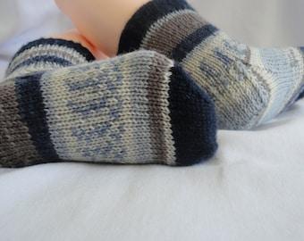 Multicolor superwash wool knitting socks