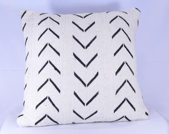 19x19 Double-Sided African Mudcloth Pillow Cover; Bogolanfini Decorative Pillow, Black & White Mud cloth Throw Pillow -BF1038