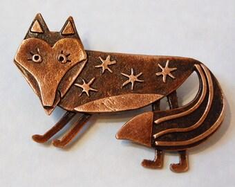Foxy copper finish brooch