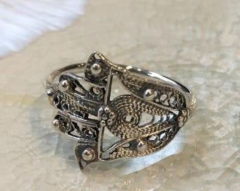 Silver Hamsa ring,  against the evil eye, simple ring, dainty ring, statement ring, filigree ring, symbol ring, protection - Call me R2500S